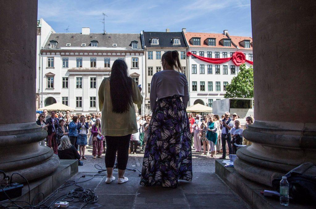 Tale Joan & Anett dansk/engelsk